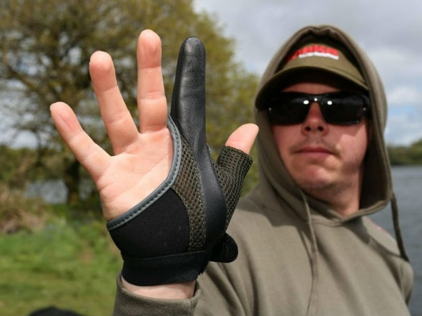 Nahazovací rukavice