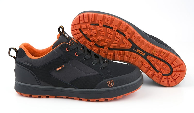 f1bedb2a6ce Fox Boty Black   Orange Trainers